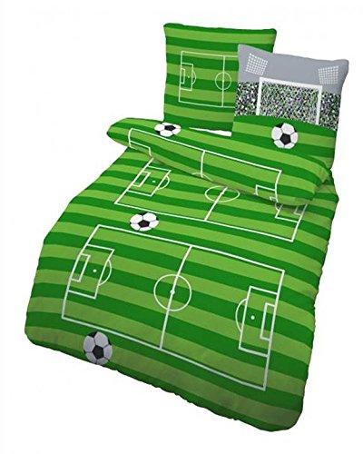 """Fein Biber Kinder Bettwäsche """" AUF GEHT`S ... TOOOR ! """" Fußball, Stadion & Spielfeld grün, grau 2 tlg. - Größe 80x80 + 135x200 cm - 100% Baumwolle - hergestellt in Deutschland"""
